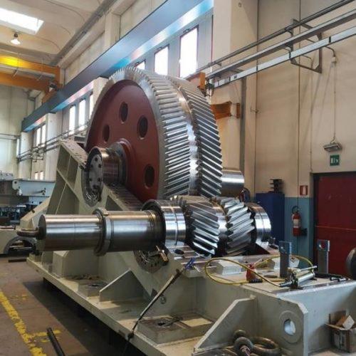 Herstellung eines Walzwerkgetriebes  (Main Drive) für eine Warmwalzanlage