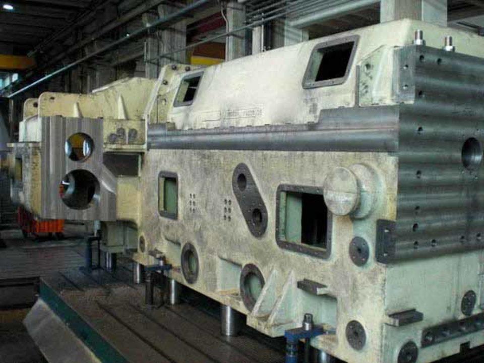 Lavorazione meccanica cassa riduttore estrusore bivite per materie plastiche