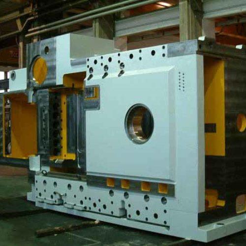 Lavorazioni meccaniche di presse stampatrici a freddo.
