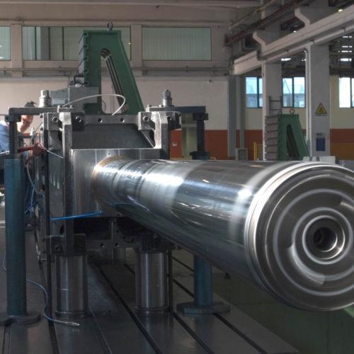 Lavorazioni meccaniche di componenti per macchine utensili.