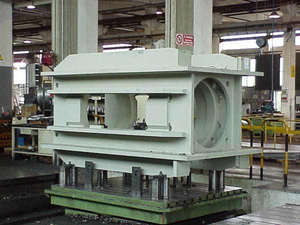 Lavorazione meccanica struttura di pressa in monoblocco per tranciatura fine