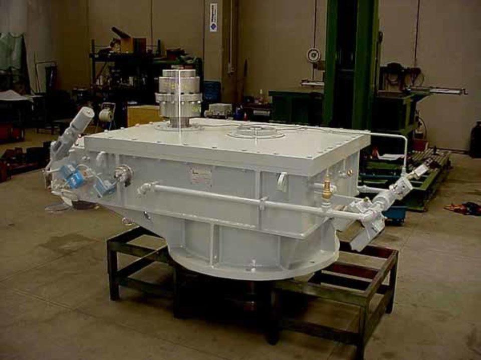 Moltiplicatore di giri ad assi verticali, installato tra turbina Kaplan e generatore 4000 kw.