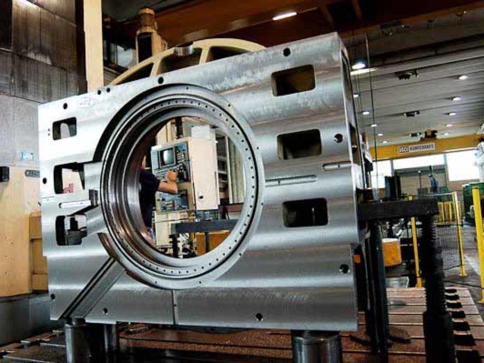 Lavorazione meccanica e il montaggio dei basamenti dei centri di lavoro