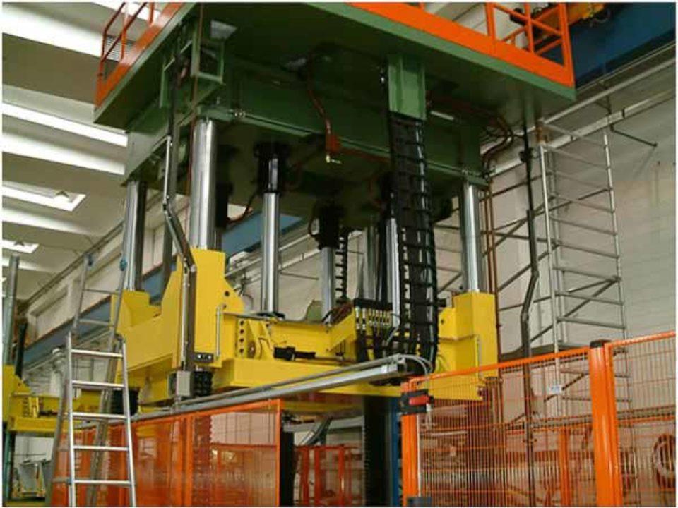 Pressa meccanica idraulica