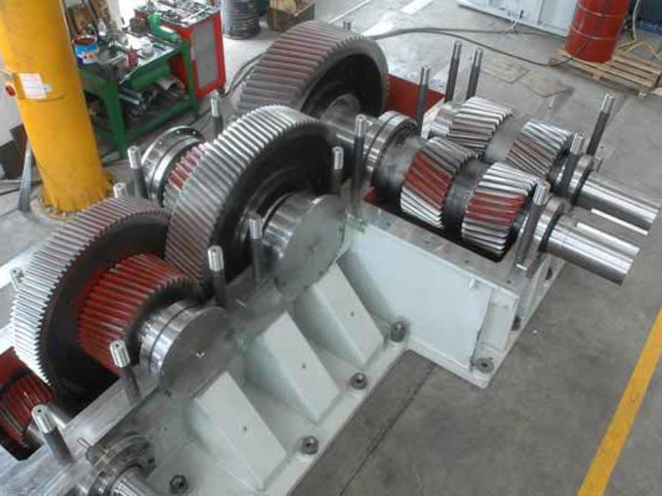 Riduttore di comando mescolatore gomma da 270 lt. per produzione mescola pneumatic