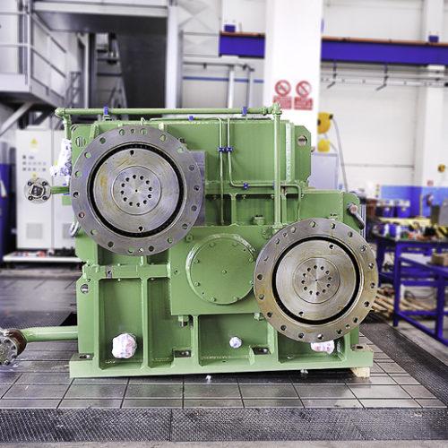 Riduttori Sdoppiatori Twin Drive per impianto di laminazione.