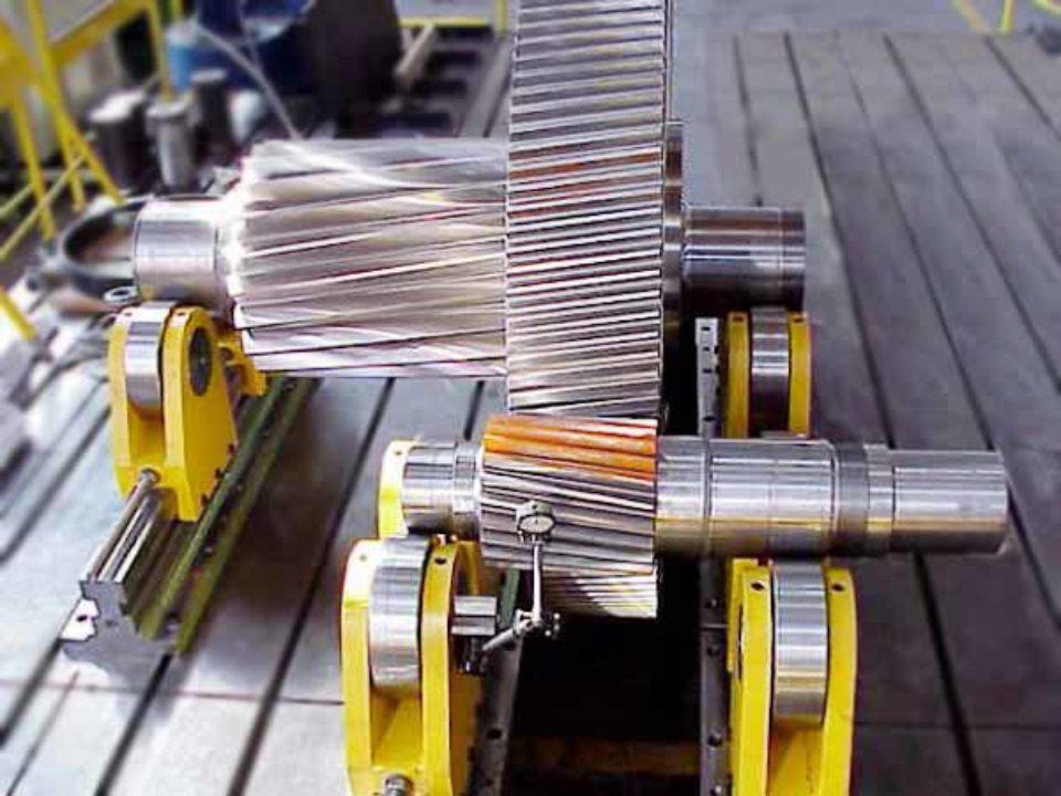 Treni di ingranaggi per cesoie ad azionamento meccanico