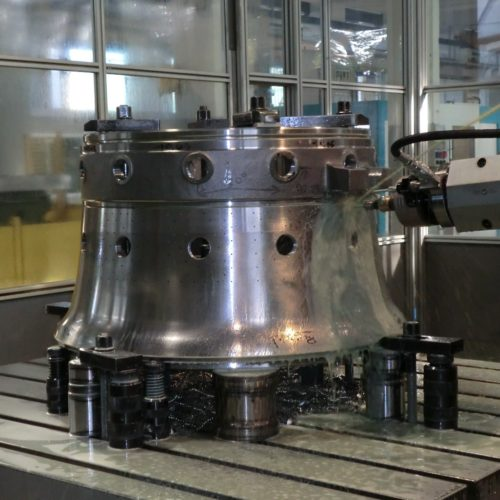 Lavorazioni meccaniche conto terzi tubo fiamma per turbina a gas