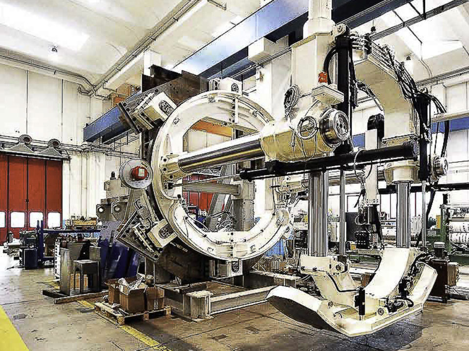 We have recently realized one 4 ton- segment erector for a TBM (
