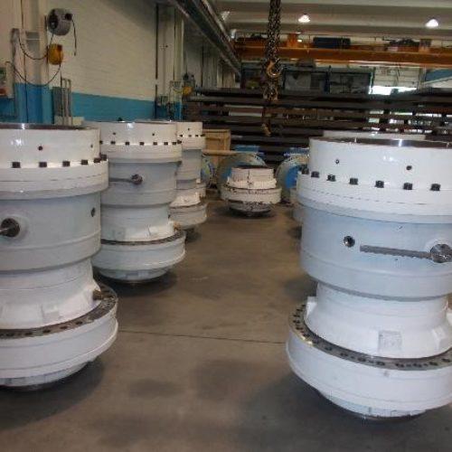 """Revisione e Fornitura di riduttori epicicloidali per comando testa rotante di perforazione """"TBM"""""""