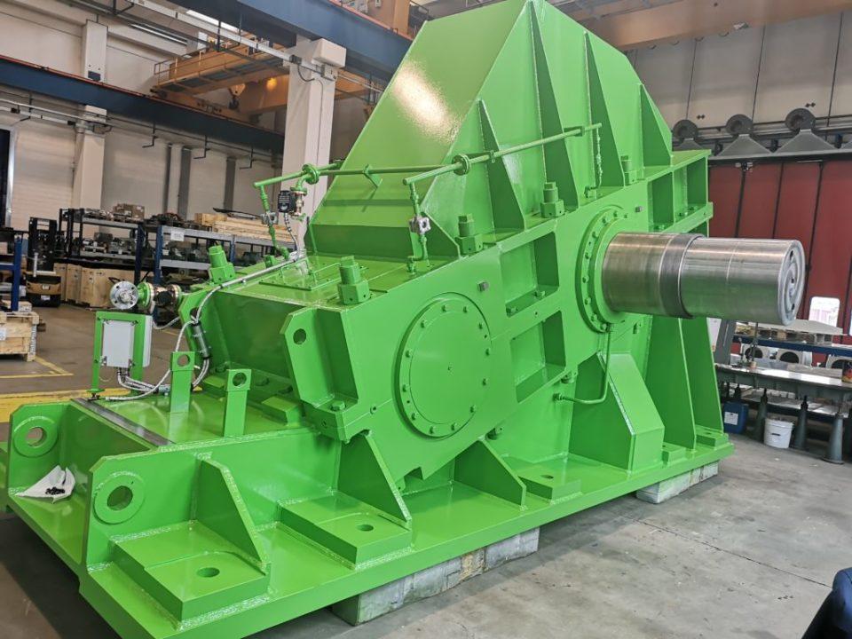 Progettazione e costruzione di un riduttore comando gabbia di laminazione (Main Drive) per impianto di laminazione a caldo